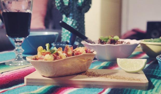 Tacos aux crevettes panées et haricots noirs
