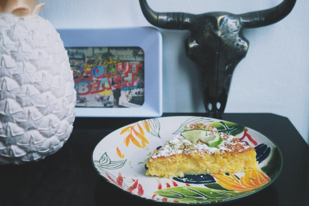 Gâteau de maïs parfumé au citron vert et à la tequila (Pastel de Elote)