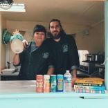Julie & Thibault, dans leur foodtruck