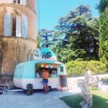 Prestation pour une pool party de mariage au Château de Robernier