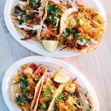 """Les Tacos """"Acapulco"""", aux crevettes marinées au lait de coco, gingembre et combava"""